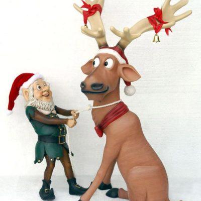 kat1_elf-pulling-funny-reindeer