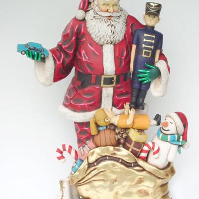 kat1_santa_claus_gift_life size